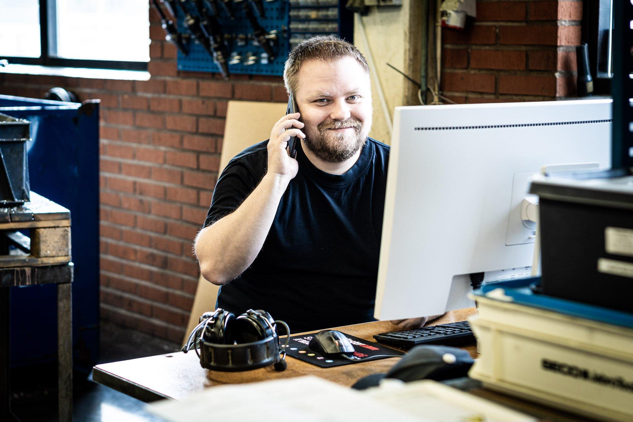 Kom i kontakt med Tranemo Metal, medarbetare i telefon